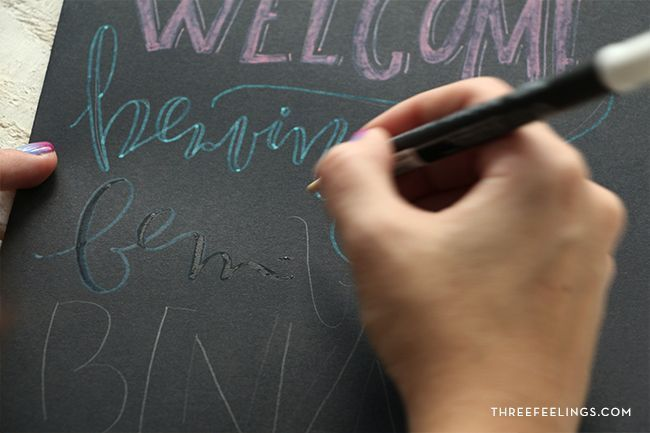 escribir con tiza sobre papel
