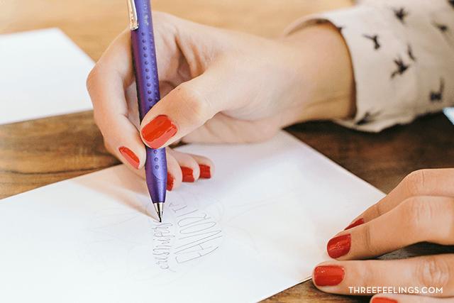 calígrama con caligrafía escribe
