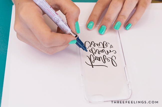 crea-carcasa-movil-lettering-diy-threefeelings-9