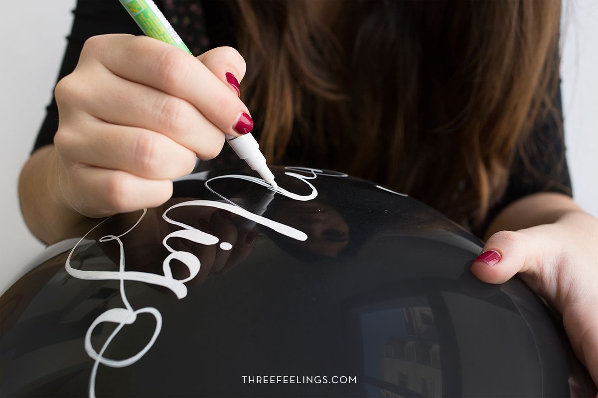escribe-bonito-globo-rotulador-permanente-threefeelings-03