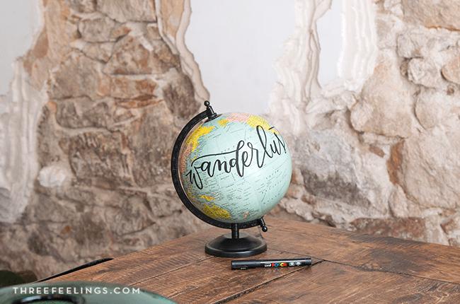 11-decorar-bola-mundo-con-lettering-threefeelings