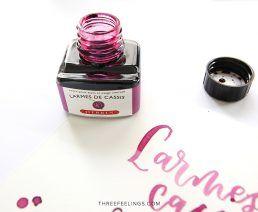 04-tinta-herbin-larmes-de-cassis-lettering-threefeelings
